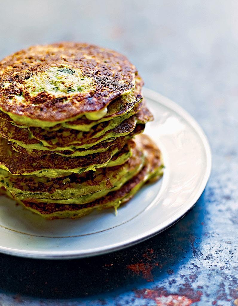 Pancakes-de-courgettes-et-ricotta-a-la-menthe_Presse