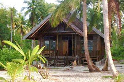 awera-surf-camp_mentawai_indo-2