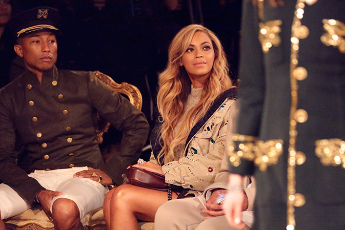 chanel-paris-salzburg-new-york-guests-01-pharrell-williams-beyonce