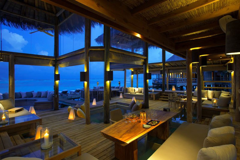 tripadvisor-2015-hotel-of-the-year-gili-lankanfushi-maldives-11
