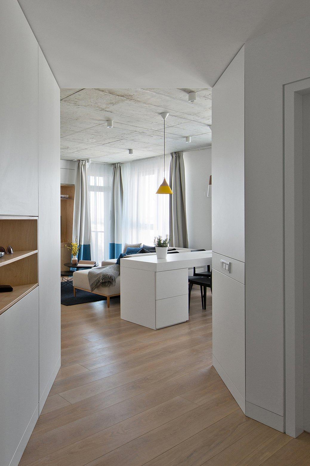 Apartment-in-Vilnius-Normundas-Vilkas-Lithuania-Entry-Humble-Homes