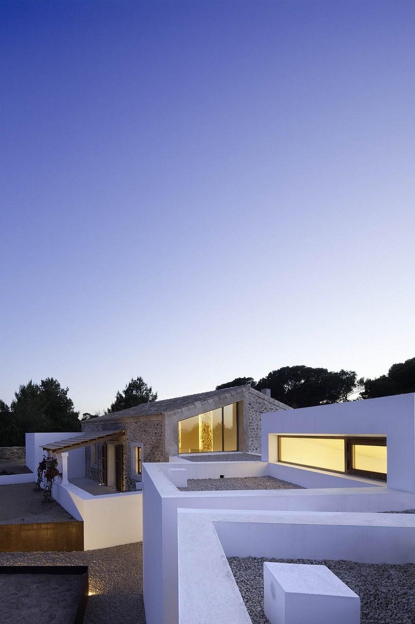 Maria-Castello-toits-terrasses-blancs