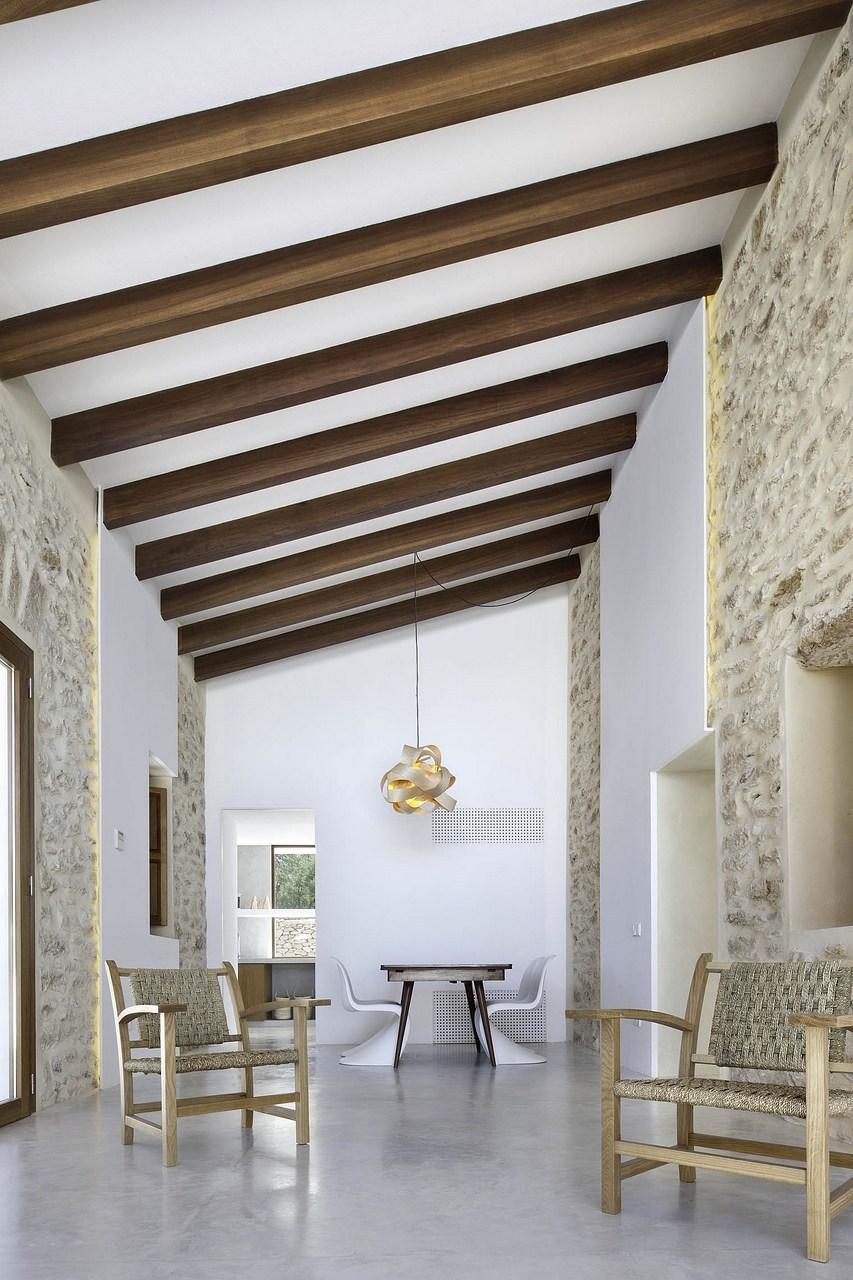 Maria-Castello-un-intérieur-minimaliste