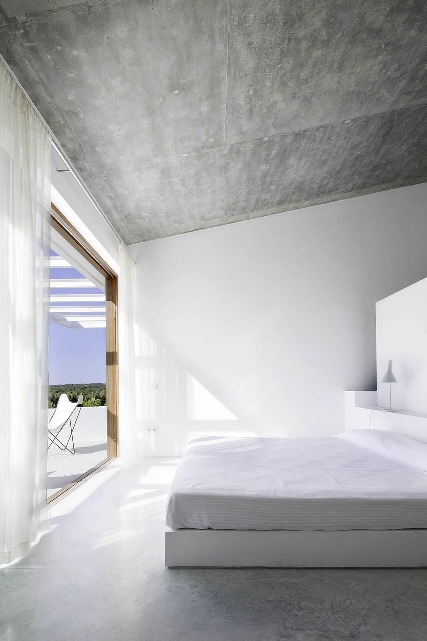 Maria-Castello-une-chambre-baignée-de-soleil
