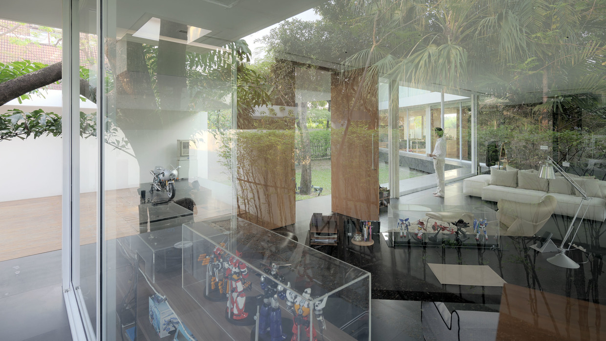 glass-walled-home-71