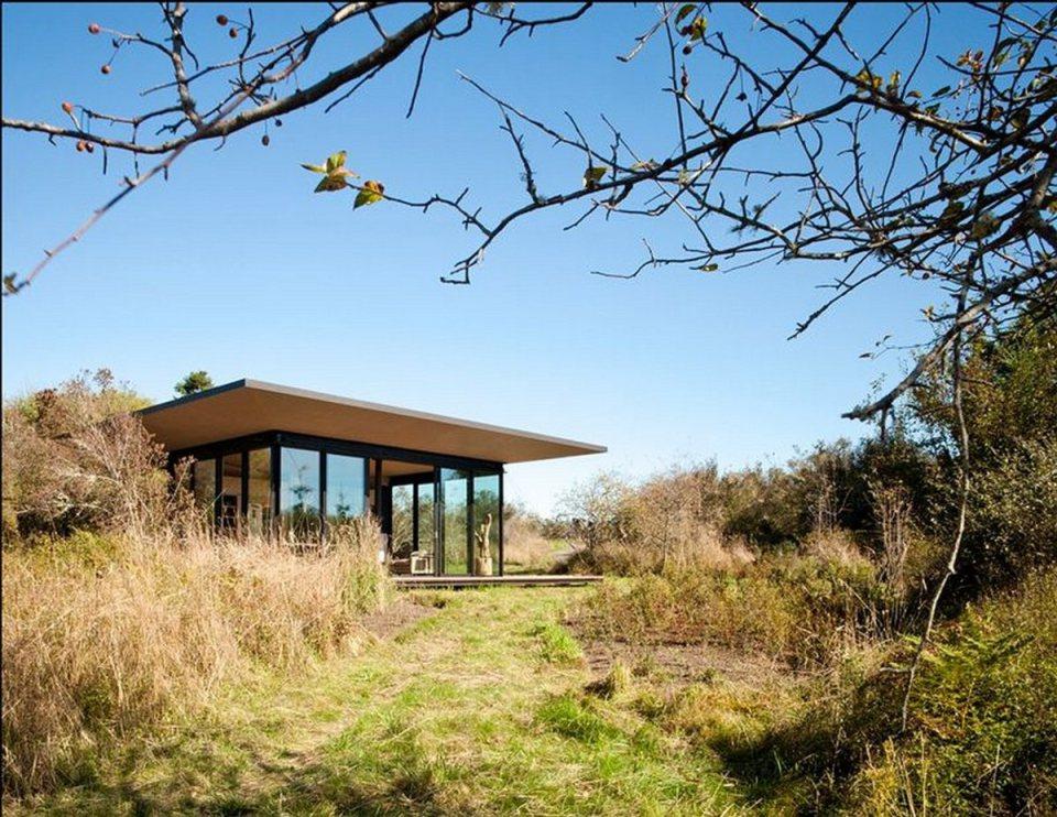 olson-kundig-false-bay-writers-cabin-exterior12-via-smallhousebliss