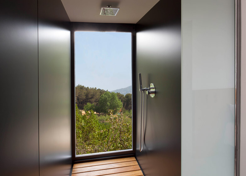 VIVOOD-Landscape-Hotels_-Alicante_Spain_dezeen_784_1