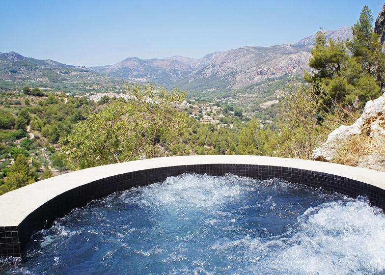 VIVOOD-Landscape-Hotels_-Alicante_Spain_dezeen_784_11