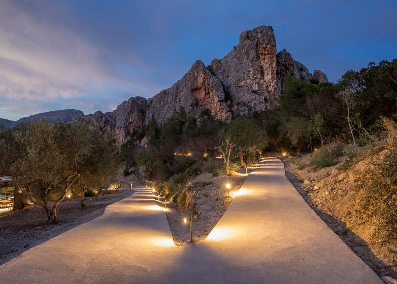 VIVOOD-Landscape-Hotels_-Alicante_Spain_dezeen_784_16