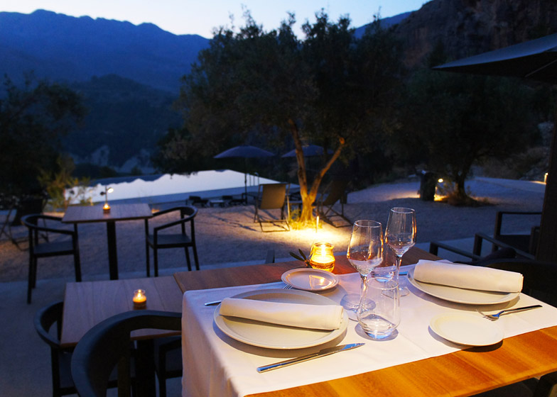 VIVOOD-Landscape-Hotels_-Alicante_Spain_dezeen_784_19