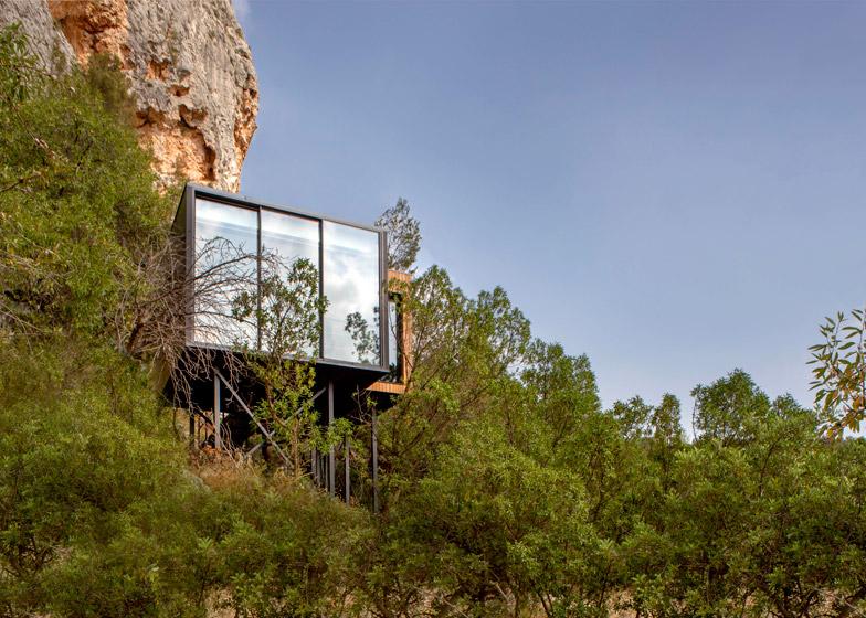 VIVOOD-Landscape-Hotels_-Alicante_Spain_dezeen_784_3