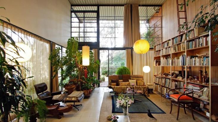 eames-house-la-landmark0living-room-gardenista
