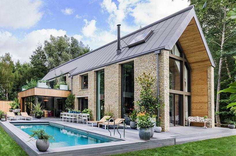 kate-moss-the-barnhouse-interiors-yoo-england-designboom-01--818x541