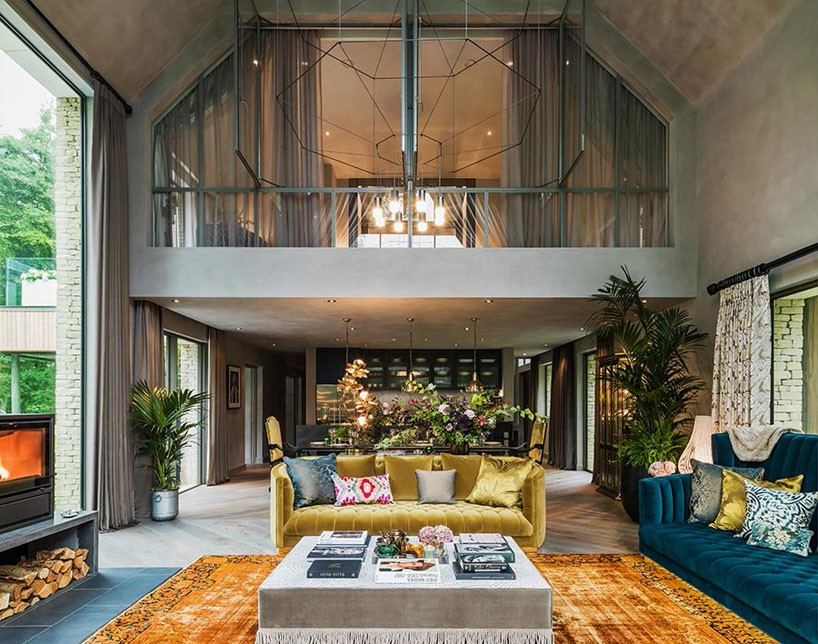 kate-moss-the-barnhouse-interiors-yoo-england-designboom-02-818x644