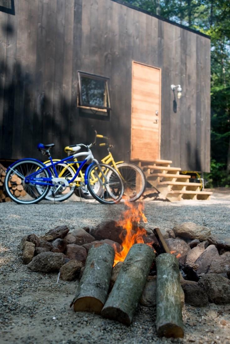 outbuilding-ovida-cabin--fire-bikes-gardenista