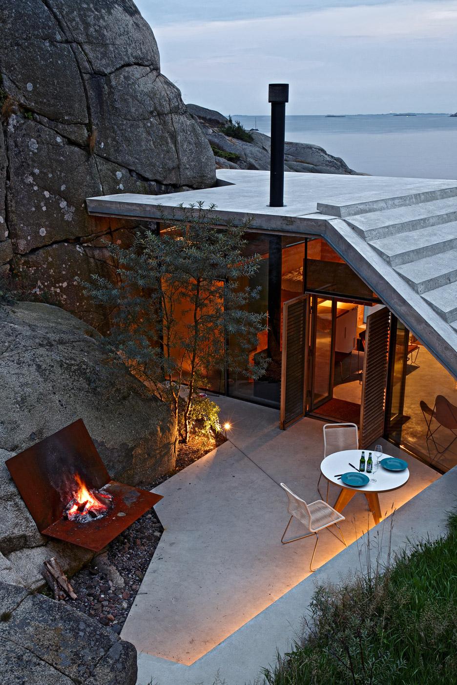 cabin-knapphullet-lund-hagem-kim-muller-photography-sandefjord-norway_dezeen_936_14