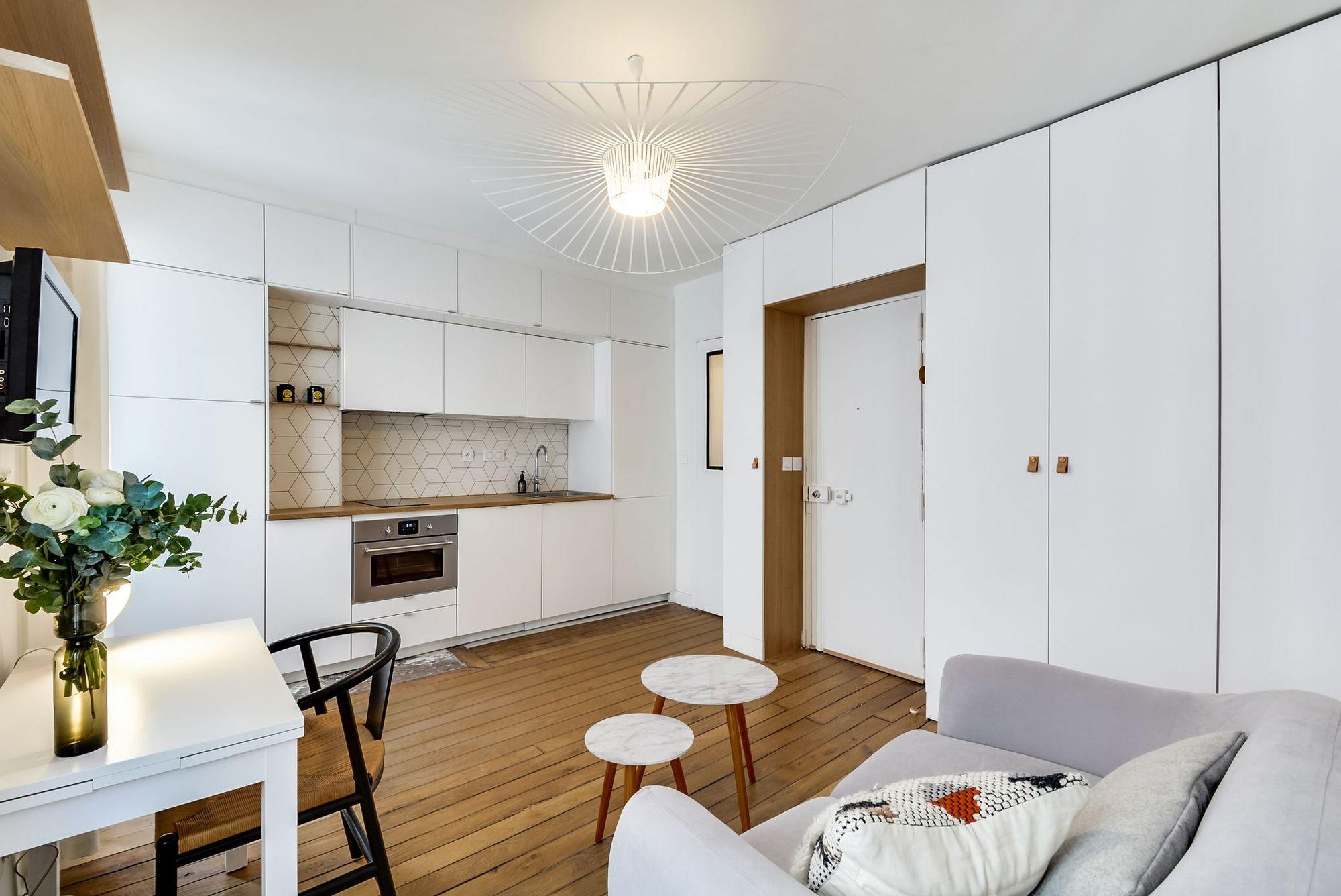cuisine-blanche-integree-a-un-studio_5588135