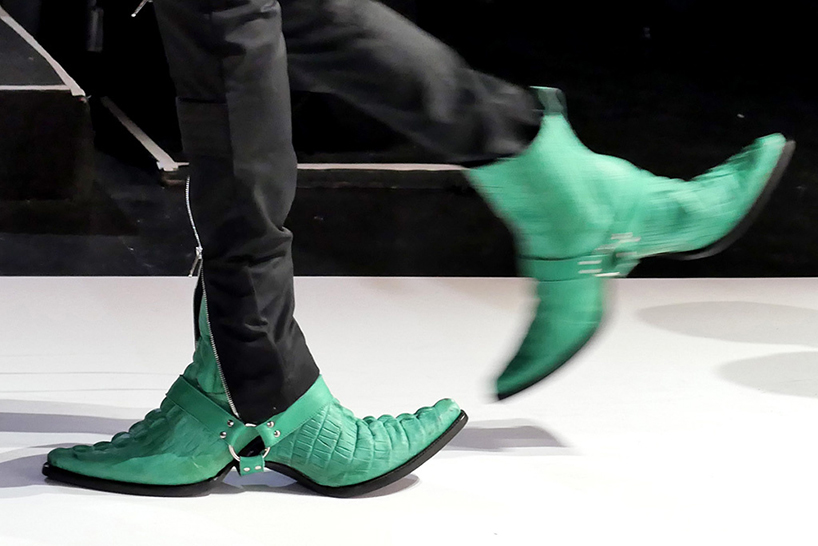 double-sided-cowboy-boots-hood-by-air-shoes-new-york-fashion-week-designboom-01