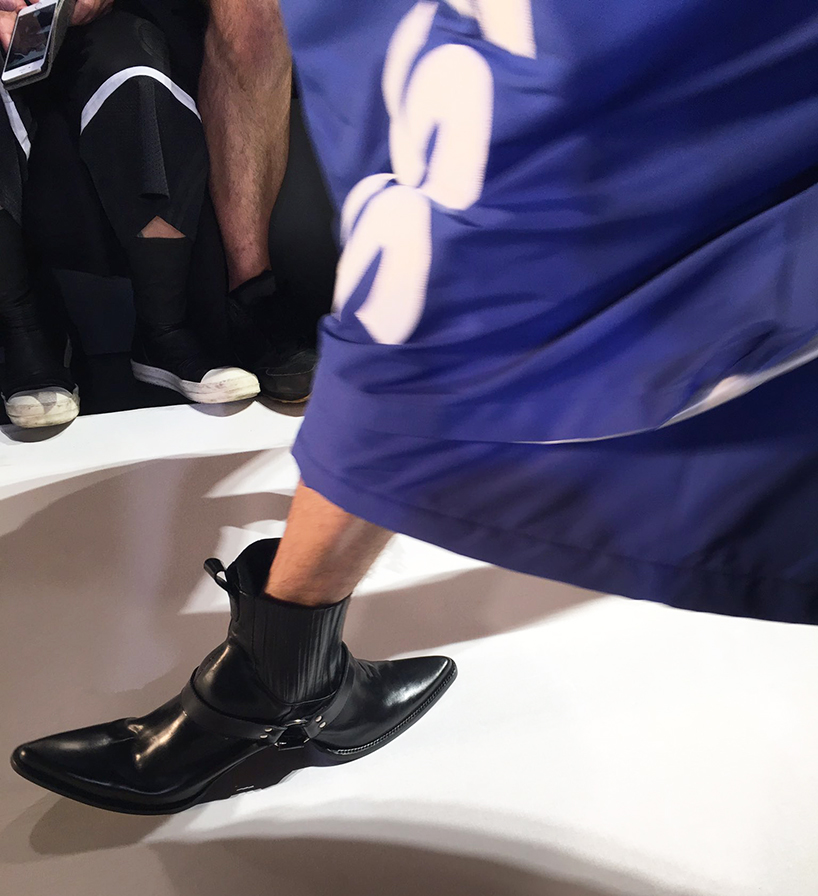 double-sided-cowboy-boots-hood-by-air-shoes-new-york-fashion-week-designboom-04
