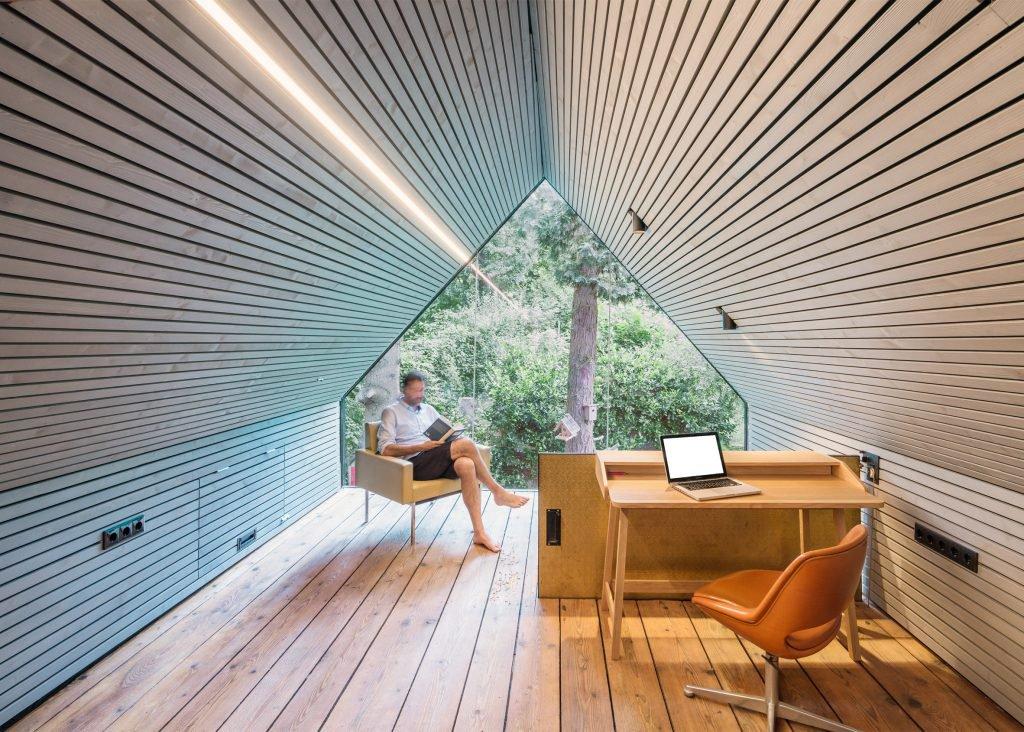 the-enchanted-shed-sue-architekten-architecture-eichgraben-austria_dezeen_2364_ss_0-1024x732