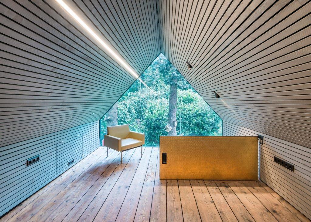 the-enchanted-shed-sue-architekten-architecture-eichgraben-austria_dezeen_2364_ss_1-1024x732