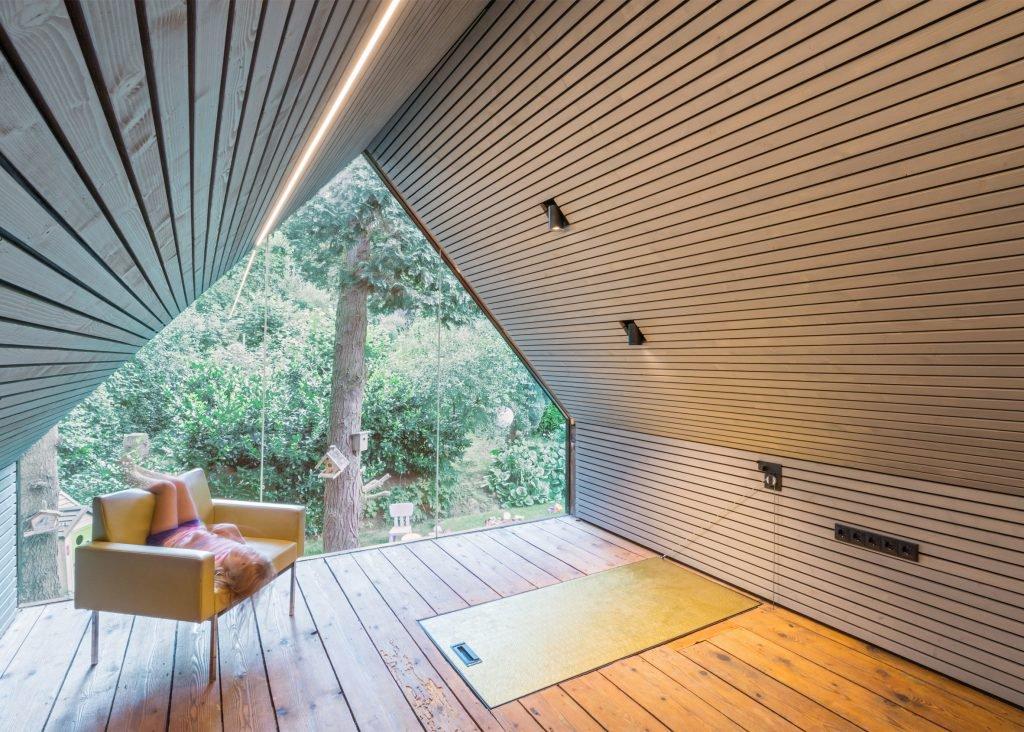 the-enchanted-shed-sue-architekten-architecture-eichgraben-austria_dezeen_2364_ss_3-1024x732