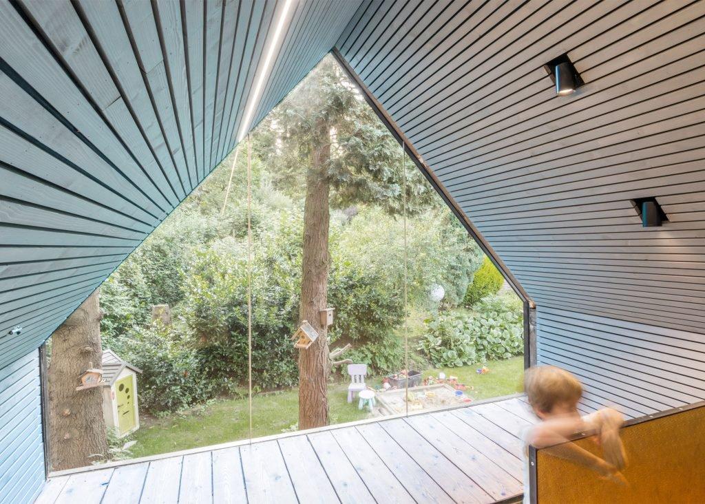 the-enchanted-shed-sue-architekten-architecture-eichgraben-austria_dezeen_2364_ss_9-1024x732